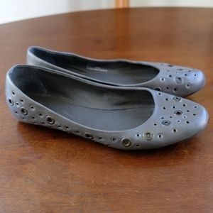 Xappeal Kammie Grey Buttonhole Flats - Size 9